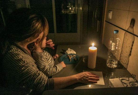 Ajuda'ns a combatre la pobresa energètica amb Kits d'eficiència! al #GivingTuesday